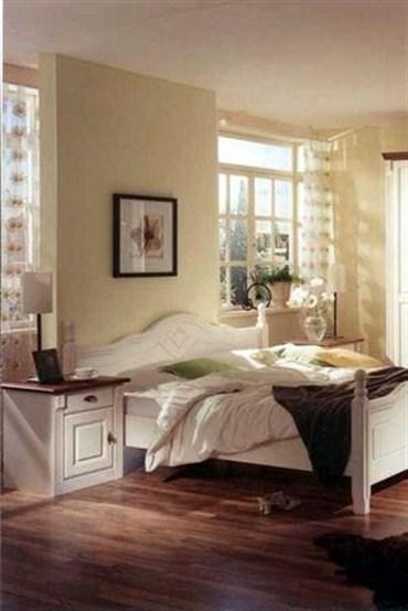 Romantik bir yatak odası için ufak dokunuşlar