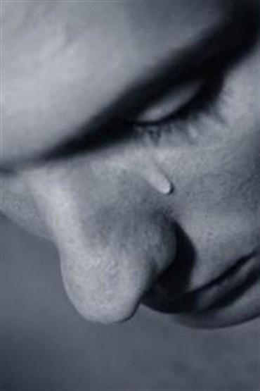 Erkekler aşk acılarını kendine saklıyor
