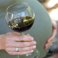 Alkol aldığınızda bebeğinizin zekası geriler!