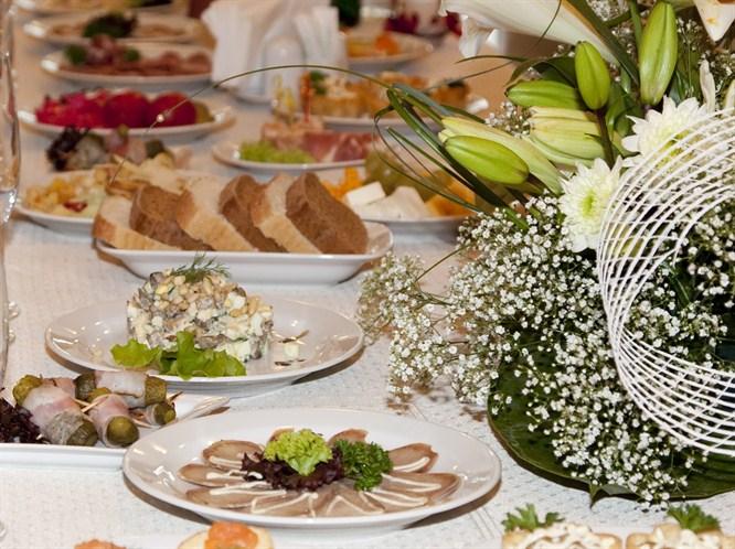Şık bir davet sofrası nasıl hazırlanır?