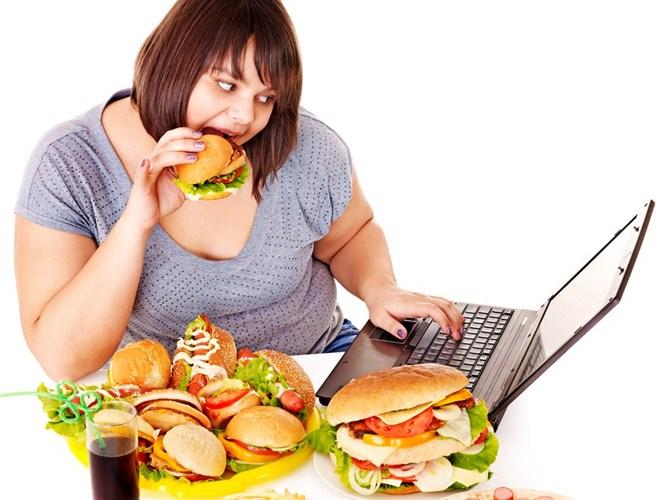 Tüm hızıyla gelen tehlike: Obezite!
