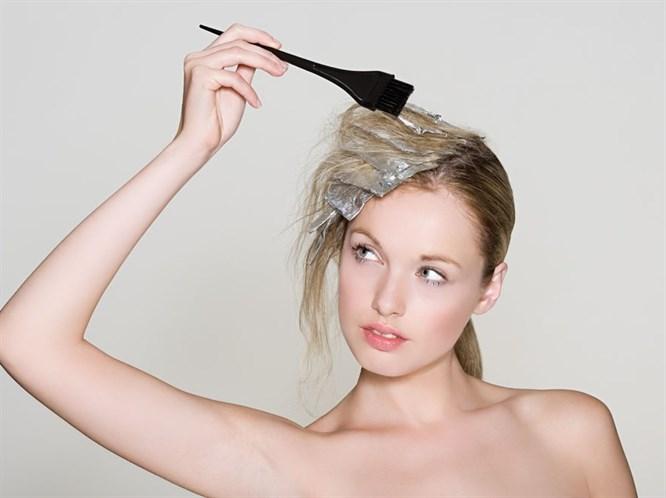 Saçlarınızı boyarken yıpratmayın!