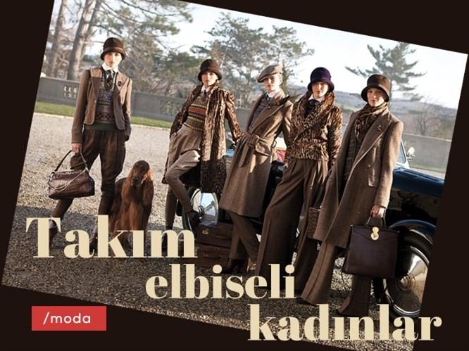 Takım Elbiseli Kadınlar