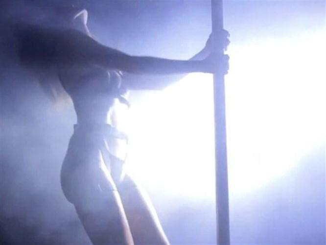 Heidi Klum'dan striptiz