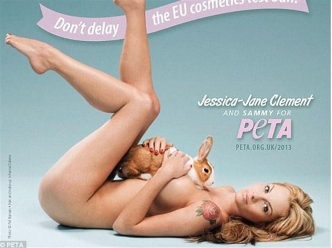 Jessica PETA için soyundu