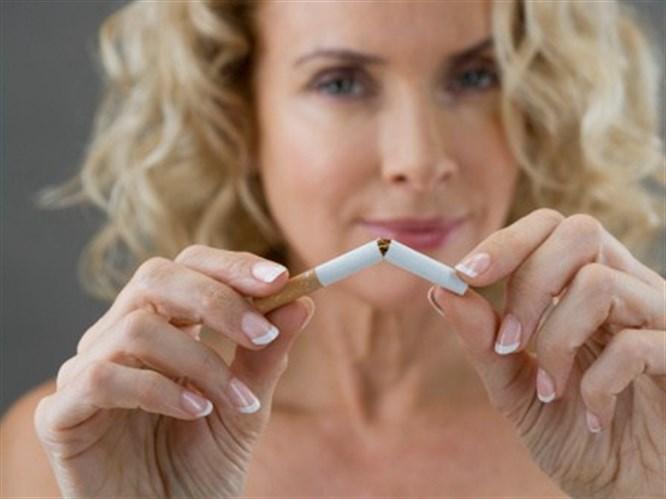 Sigarayı bırakırken sağlıklı besinler yardımınıza koşuyor