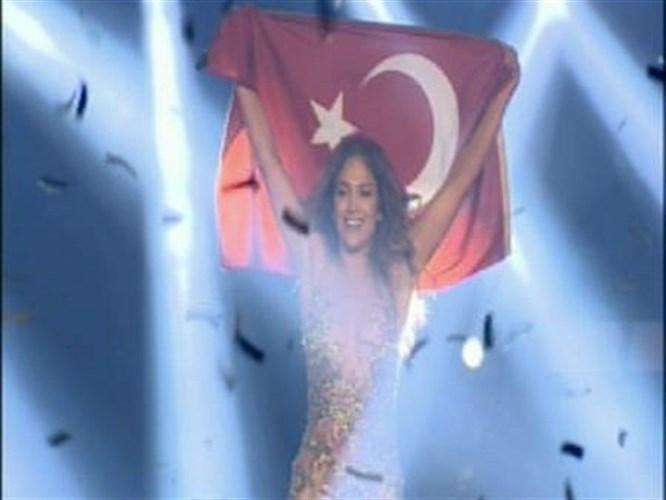 Lopez Türk Bayrağıyla final yaptı