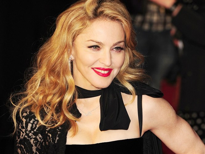 2012 kazananı Madonna!
