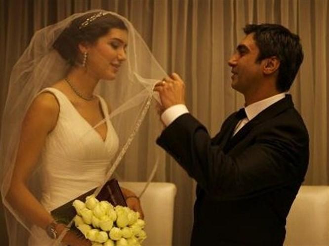 Görücü usulüyle evlenmiş!