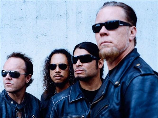 Metallica sonunda internette