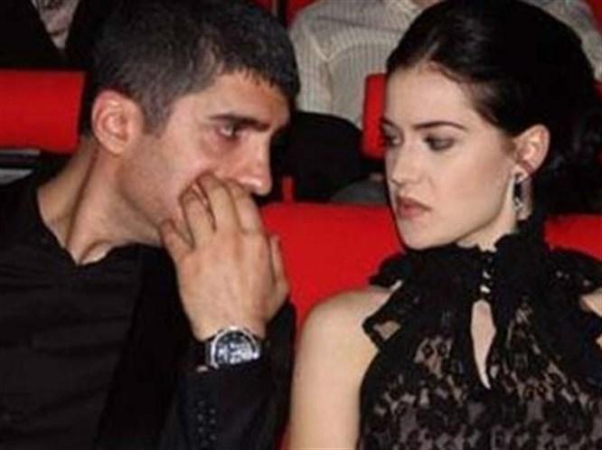 Özcan ve Fahriye 5 saat öpüştü