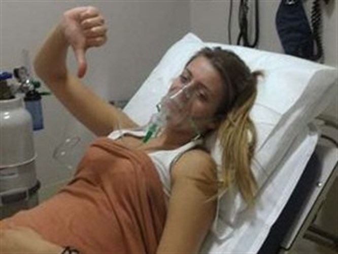 Genç oyuncu hastaneye kaldırıldı
