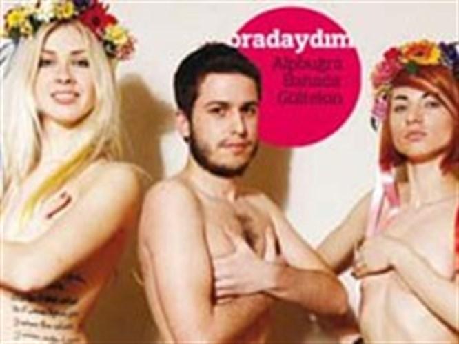 Femen kızları Radikal muhabirini de soydu!