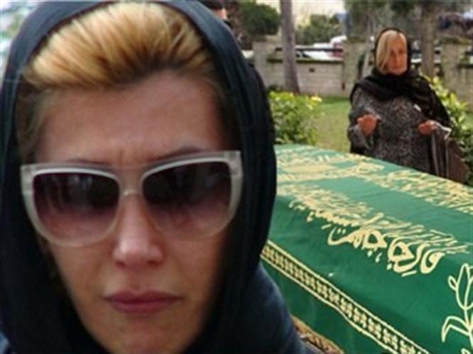 Hande Yener'in gözyaşları
