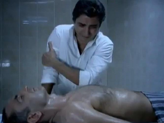 Polat Alemdar can dostunu yıkadı (Video)