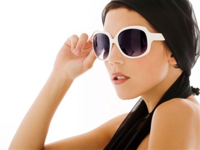 Kışın güneş gözlüğü kullanın!