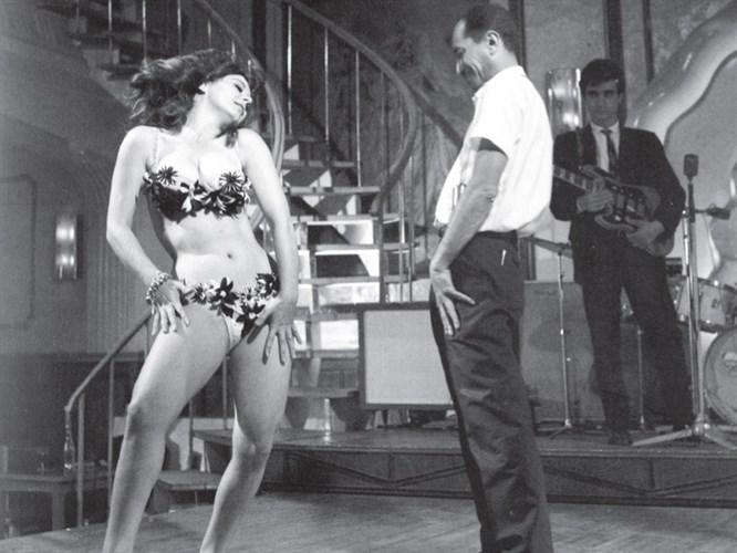 Türk sinemasında ilk striptizi ben yaptım