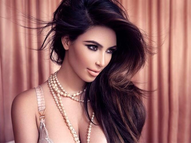 Kardashian'ın Burun Estetiği