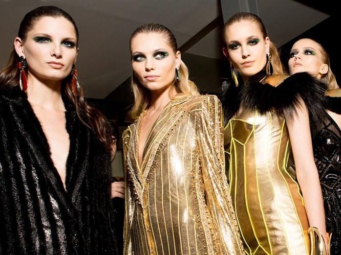 Versace göz makyajı nasıl yapılır?