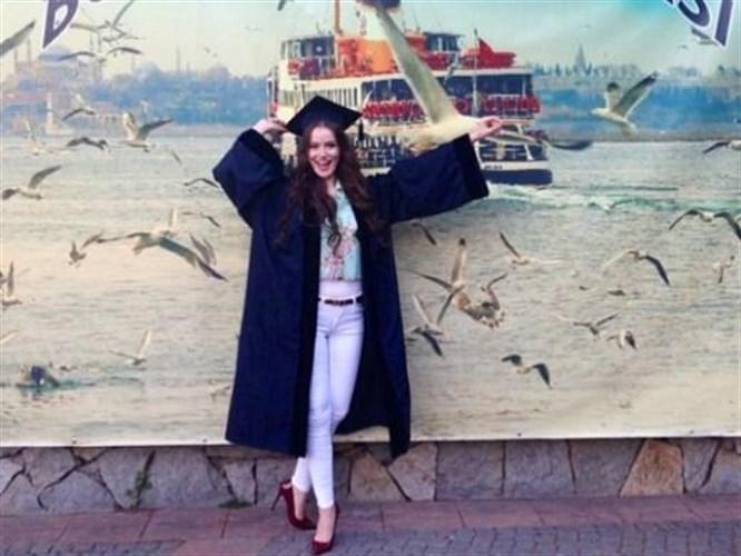 Sonunda mezun oldu!