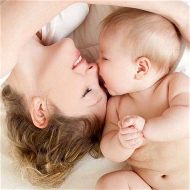 Çocuk yetiştirmek anne karnında başlar bebeklikte şekillenir.