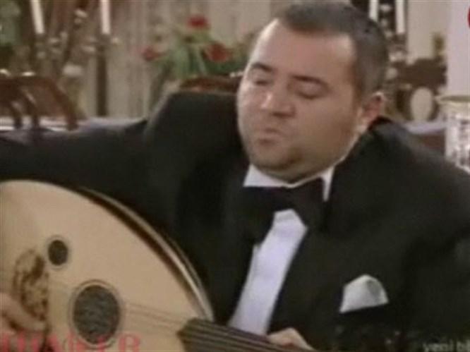 Ata Demirer'in şarkısı kırdı geçirdi