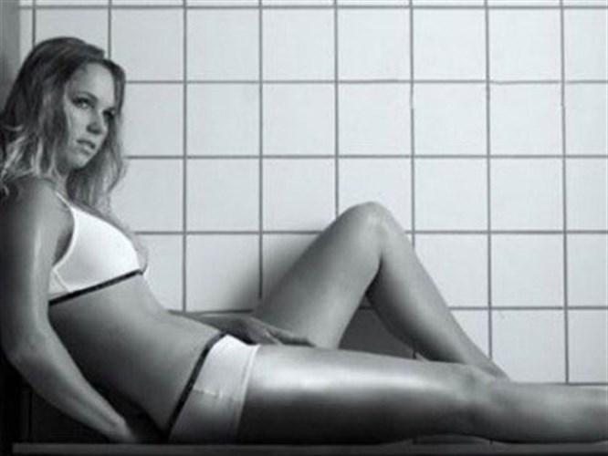 Caroline Wozniacki kendi iç çamaşırı tasarımı