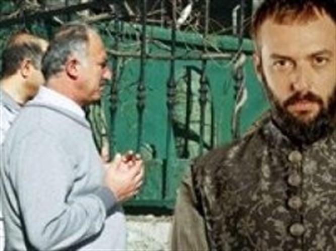 İbrahim Paşa'nın mezarı ziyaretçi akınına uğradı!