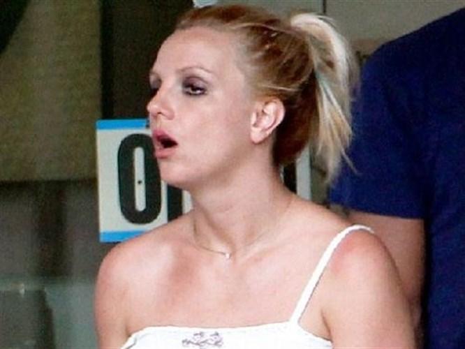 Britney'in makyajsız hali şaşırttı! Bu ne hal?
