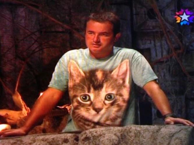 Acun'un kedili tişörtü olay oldu