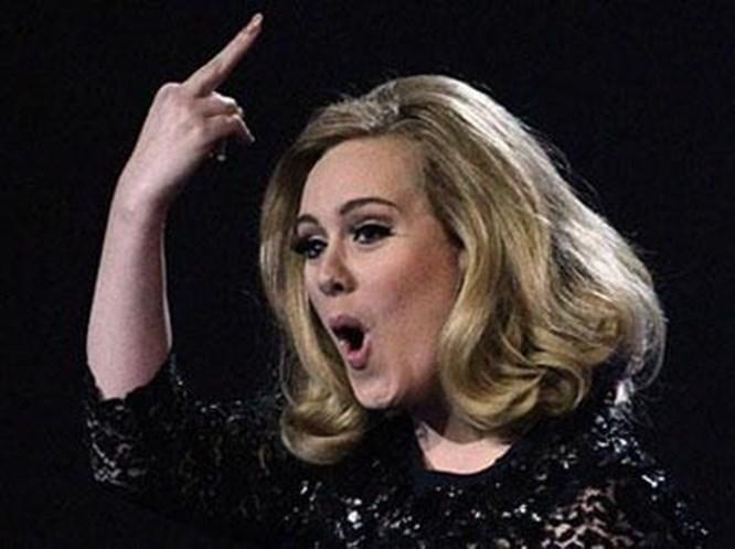 Adele'den şaşırtan hareket