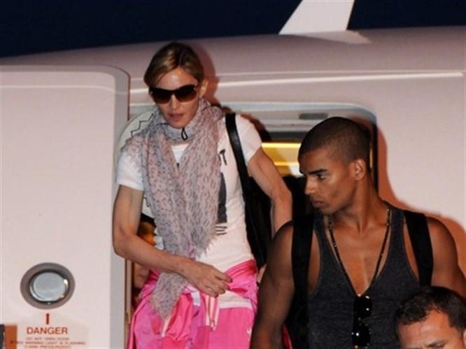 Madonna kırmızı halıyla karşılandı!