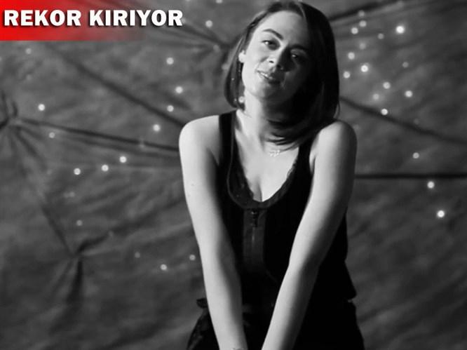 Evgar'dan sevgilisine klipli sürpriz: Farketmeden