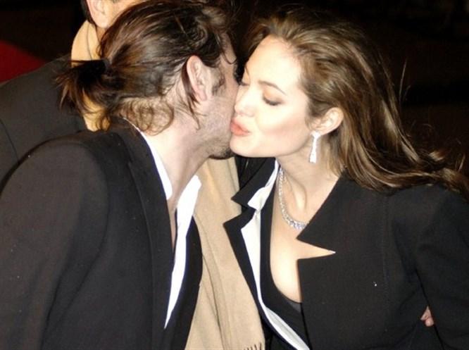 Jolie'yle ilgili şok iddia: Başkasına...