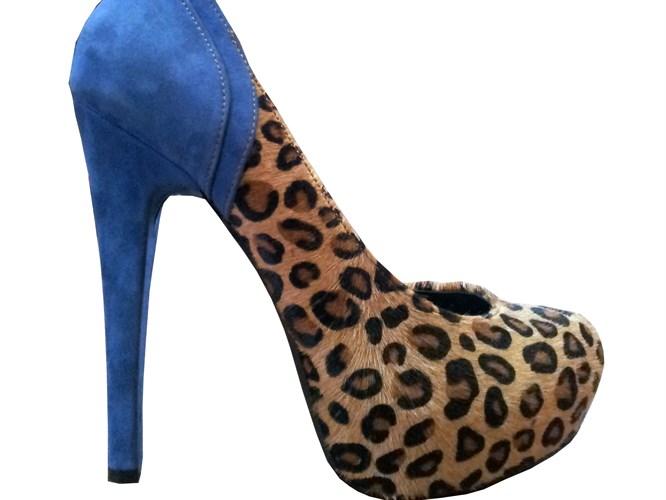 Hayalinizdeki ayakkabıyı tasarlayabilirsiniz!