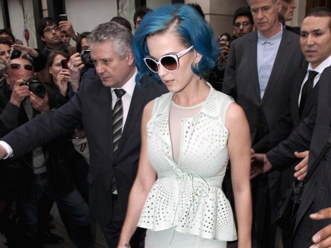 Katy Perry Paris Moda Haftası'nda