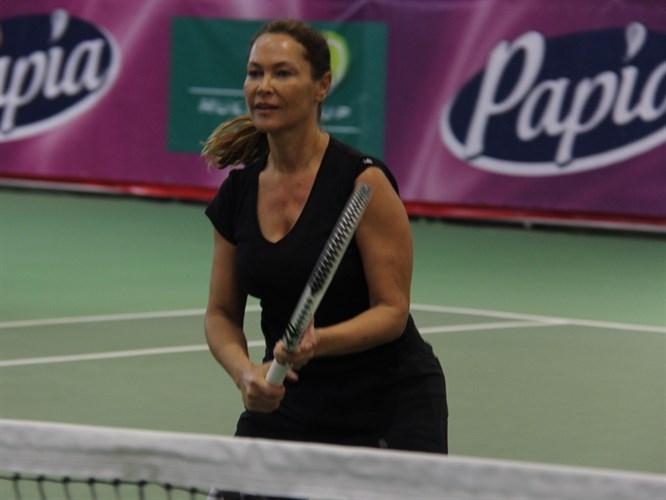 Hülya Avşar'ın tenis turnuvası sona erdi!