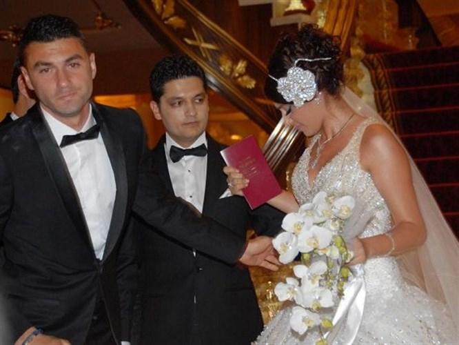 Burak Yılmaz'ı ağlatan düğün