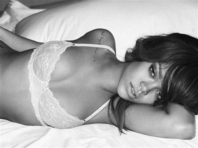 'Rihanna'dan seksi Bond kızı olur'