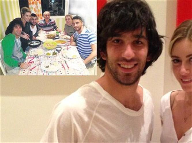 Sinem Kobal'dan Turan ailesine yemek!