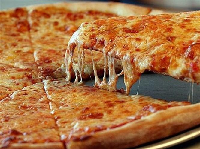 Kolay klasik pizza