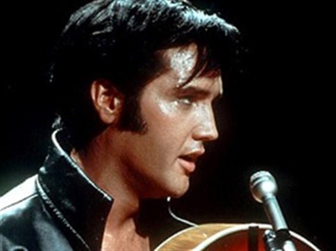 Bu dünyadan bir Elvis geçti!
