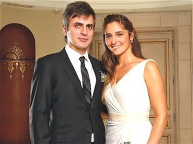 Ünlü rockçı Teoman evlendi!