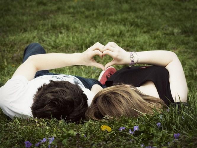Eğer Bunları Yapıyorsa Size Hala Aşık!