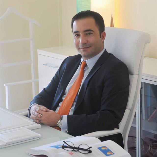Op. Dr. Metin Kerem