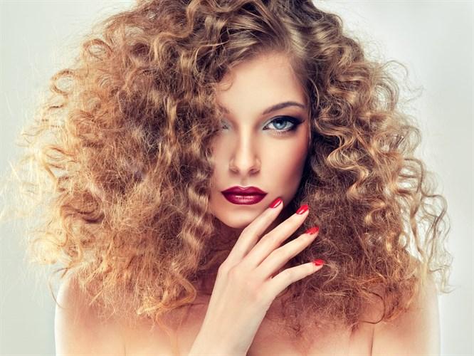 Doğal Yöntemlerle Saçları Kalınlaştırmanın 5 Yolu