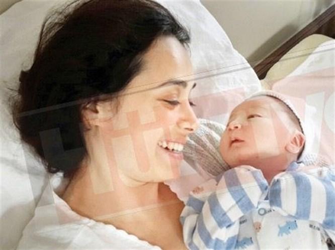 İşte Özgü Namal'ın Bebeği!