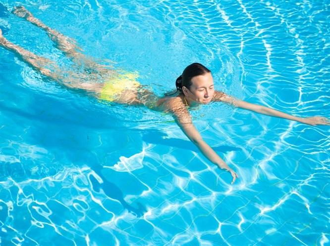 Havuzdan Gözlere Gelen 4 Hastalık