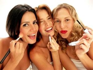 Makyaj Yapan Her Kadının Karşılaşacağı 19 Durum