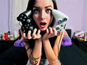 Oyun Oynayan Kadın Aslında Aranılan Sevgili!